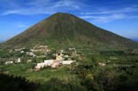 Isole Eolie: Trekking a Salina, Panarea, Vulcano e Stromboli